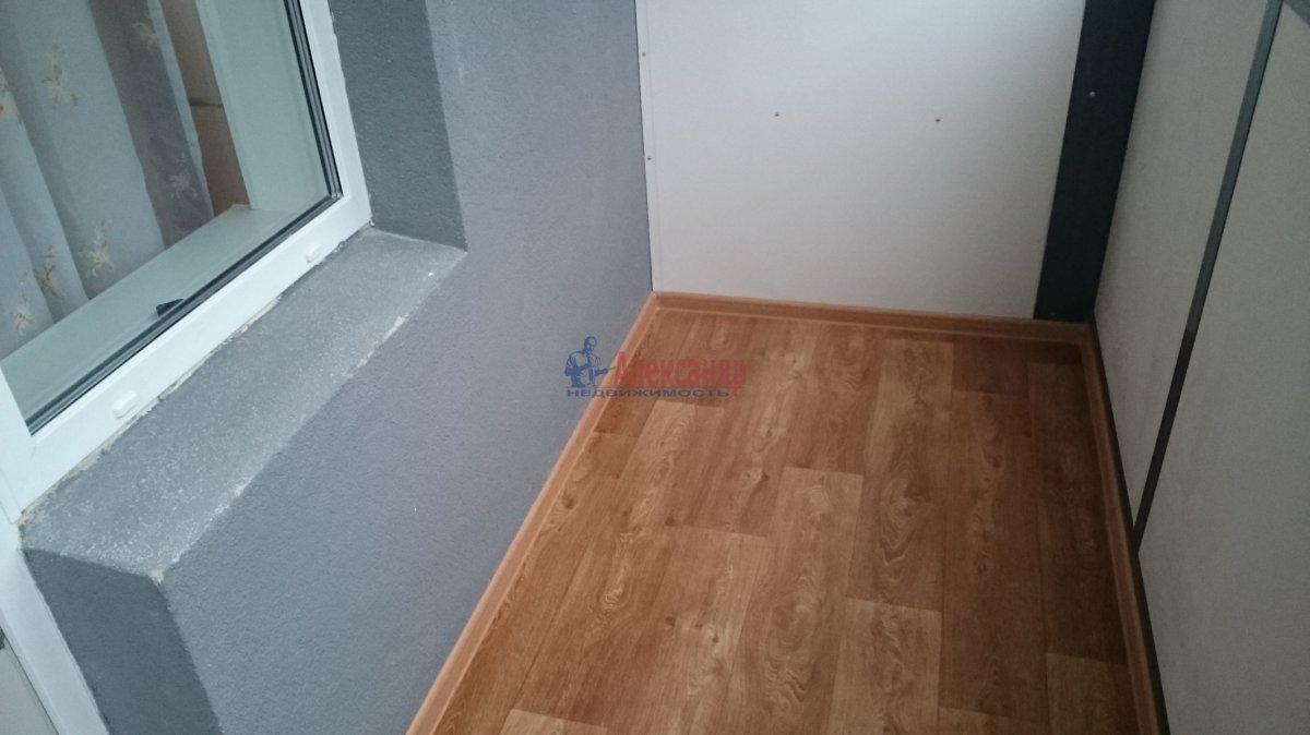 2-комнатная квартира (54м2) в аренду по адресу Мурино пос., Новая ул., 7— фото 7 из 7