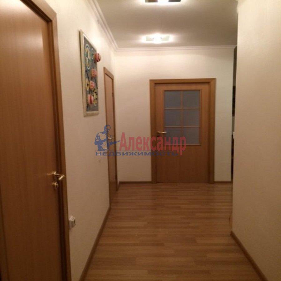 2-комнатная квартира (69м2) в аренду по адресу Ярослава Гашека ул., 15— фото 2 из 9