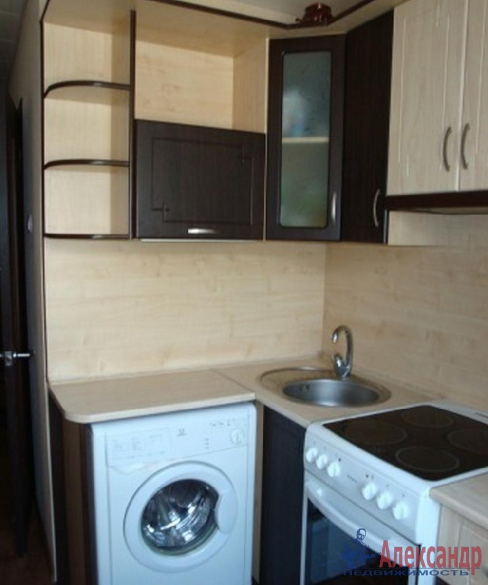 1-комнатная квартира (35м2) в аренду по адресу Ярослава Гашека ул., 2— фото 2 из 2