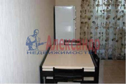 3-комнатная квартира (73м2) в аренду по адресу Богатырский пр., 24— фото 3 из 17