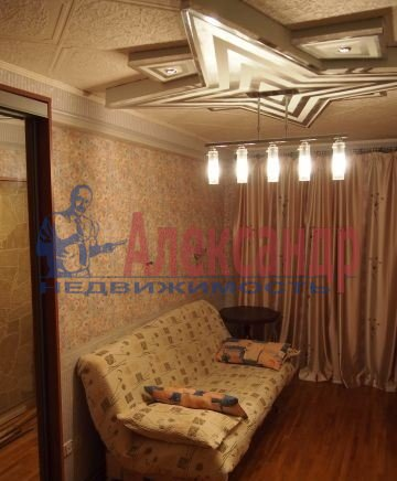 2-комнатная квартира (46м2) в аренду по адресу Федосеенко ул., 7— фото 2 из 7