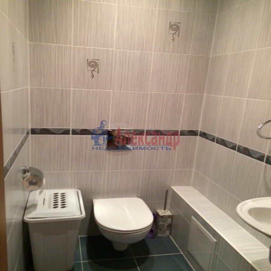 2-комнатная квартира (69м2) в аренду по адресу Ярослава Гашека ул., 15— фото 3 из 9