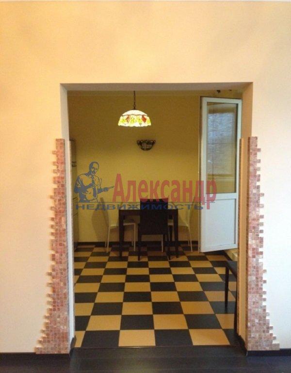 1-комнатная квартира (46м2) в аренду по адресу Кораблестроителей ул., 32— фото 3 из 4