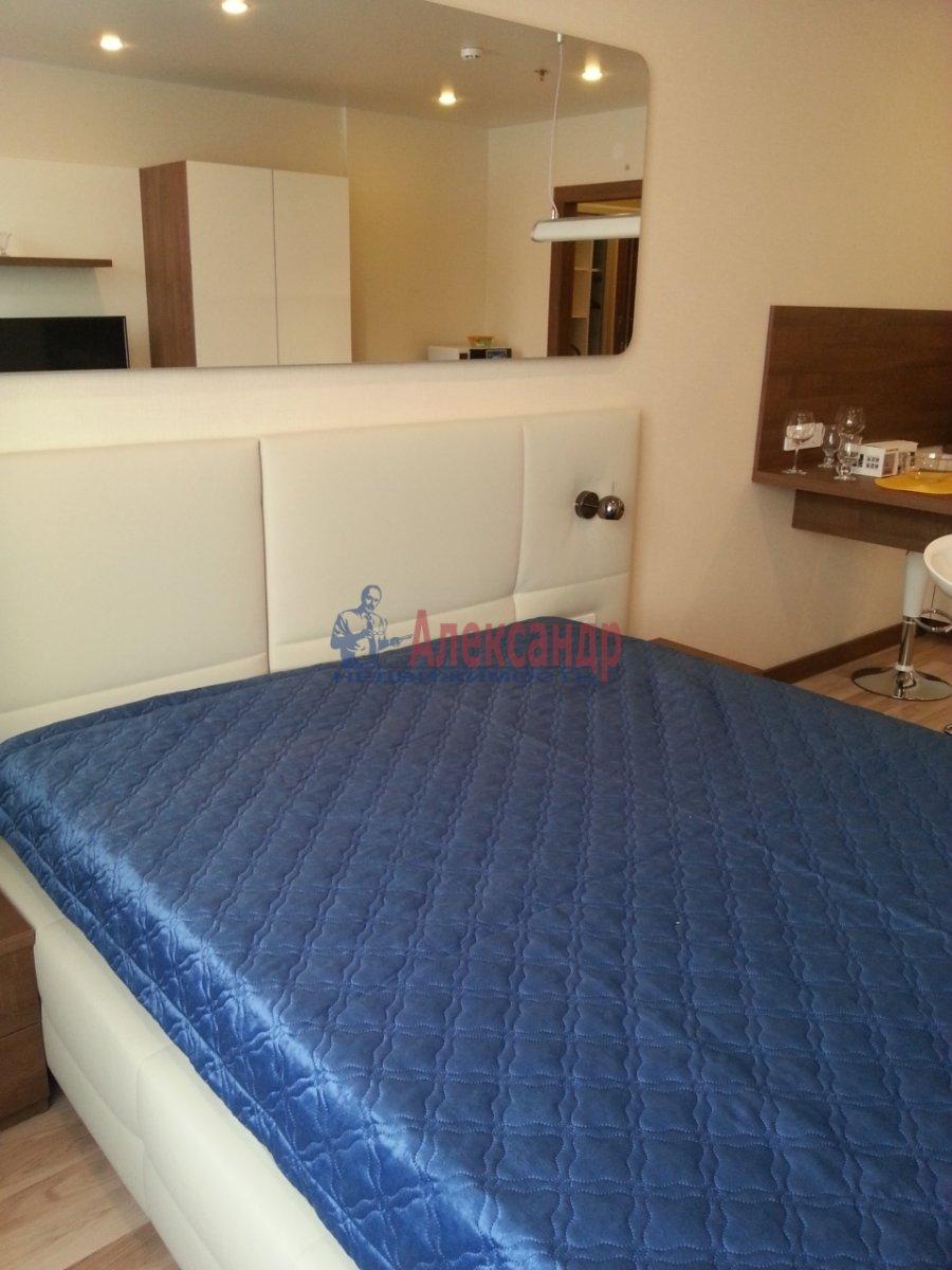 1-комнатная квартира (40м2) в аренду по адресу Обуховской Обороны пр., 138— фото 3 из 10