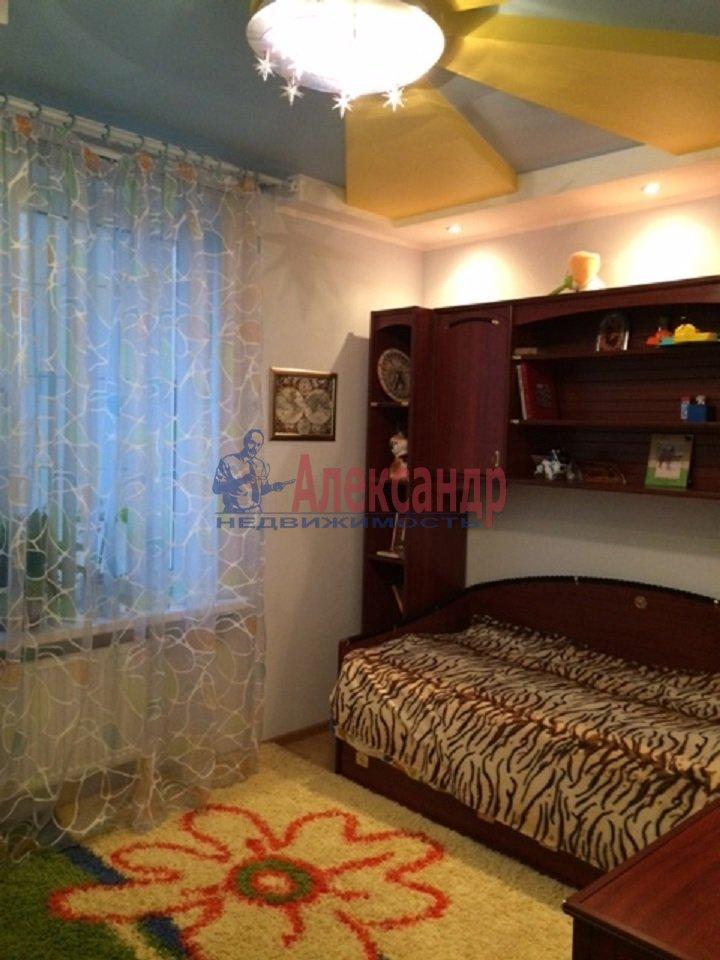 2-комнатная квартира (69м2) в аренду по адресу Ярослава Гашека ул., 15— фото 4 из 9