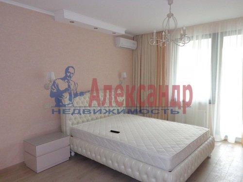 2-комнатная квартира (75м2) в аренду по адресу Резная ул., 6— фото 2 из 9
