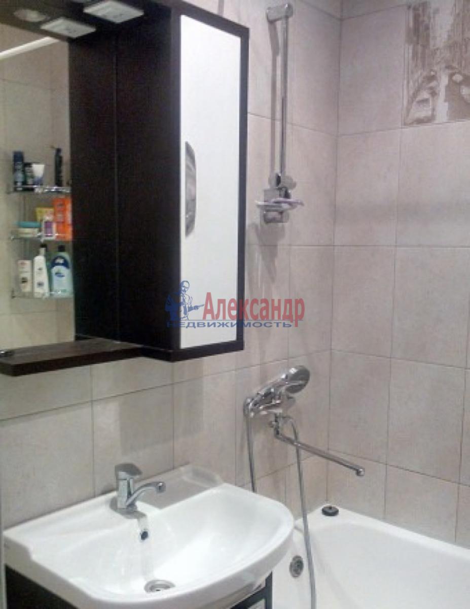 1-комнатная квартира (41м2) в аренду по адресу Летчика Пилютова ул., 50— фото 4 из 5