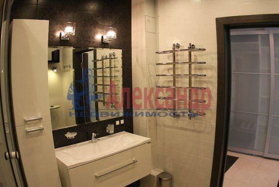 1-комнатная квартира (58м2) в аренду по адресу Комендантская пл., 10— фото 1 из 6