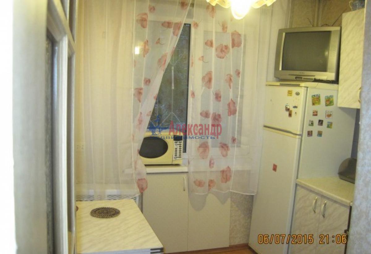 1-комнатная квартира (32м2) в аренду по адресу Димитрова ул., 18— фото 3 из 4