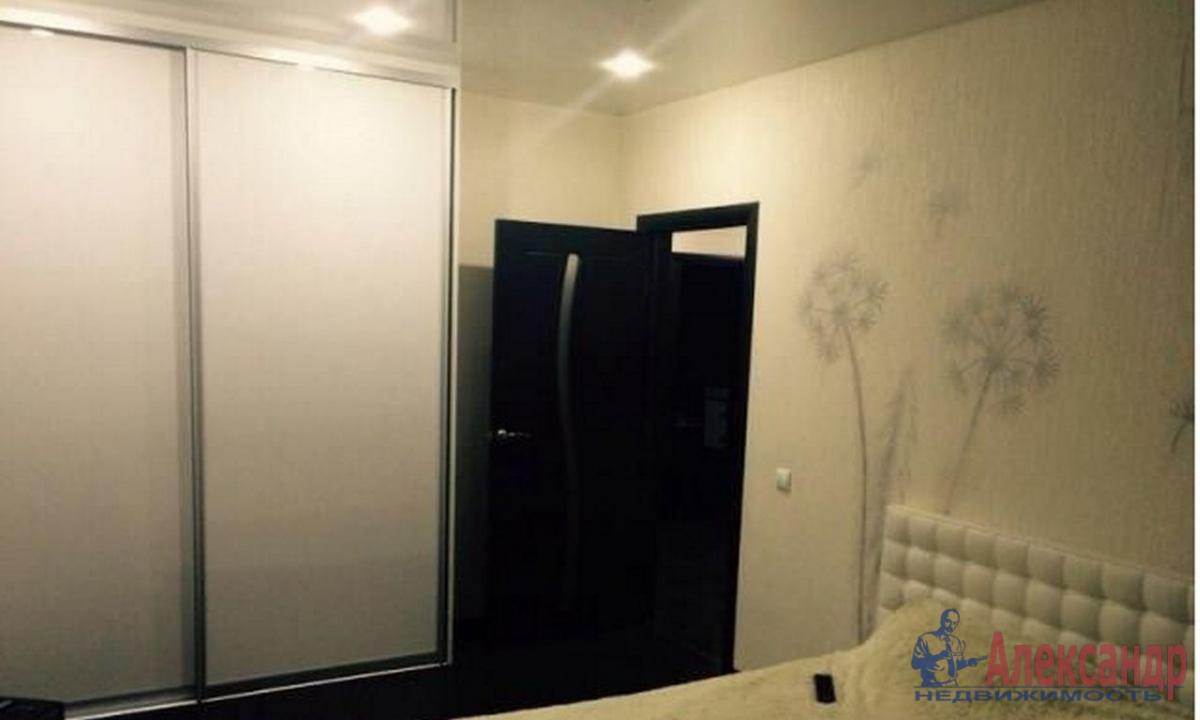 2-комнатная квартира (76м2) в аренду по адресу Кременчугская ул., 11— фото 2 из 3