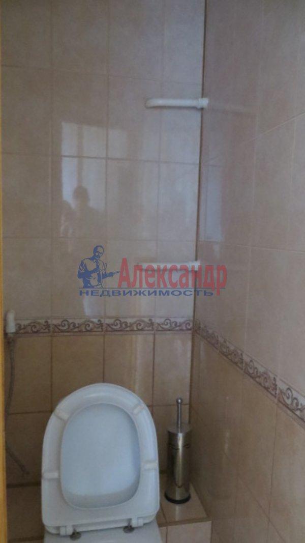 1-комнатная квартира (35м2) в аренду по адресу Нахимова ул., 8— фото 4 из 6