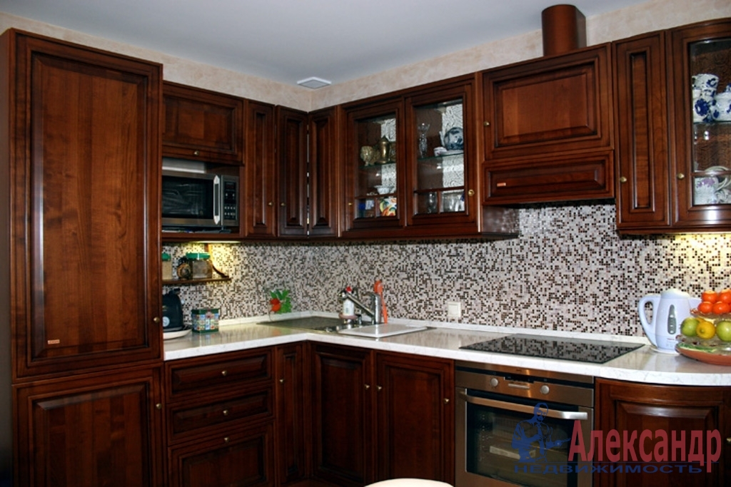 1-комнатная квартира (52м2) в аренду по адресу Бухарестская ул., 96— фото 2 из 3