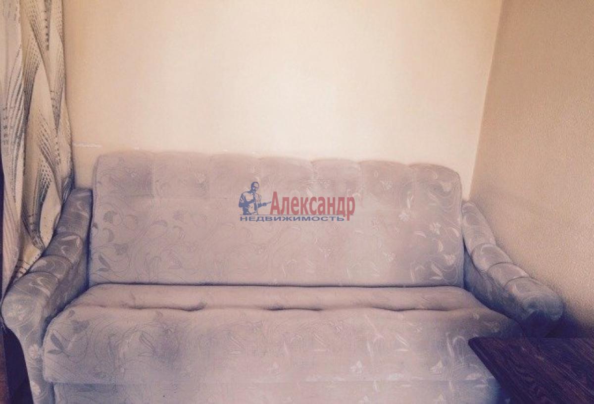 Комната в 3-комнатной квартире (66м2) в аренду по адресу Кораблестроителей ул., 37— фото 1 из 4