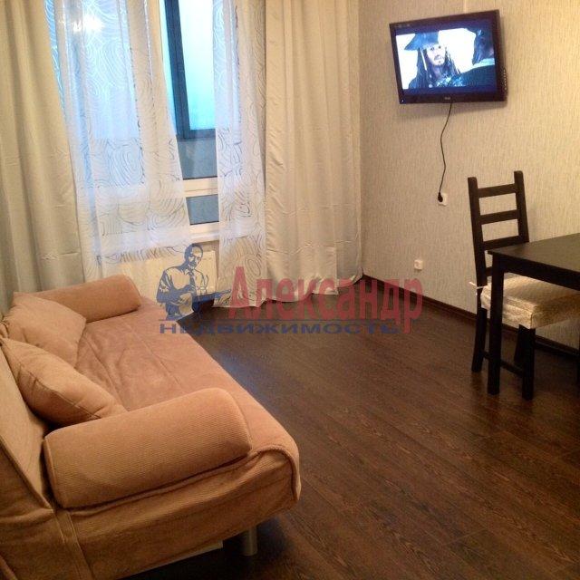 2-комнатная квартира (55м2) в аренду по адресу Хасанская ул., 10— фото 1 из 1