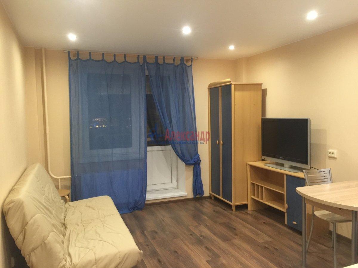 Комната в 3-комнатной квартире (87м2) в аренду по адресу Наличная ул., 49— фото 1 из 2