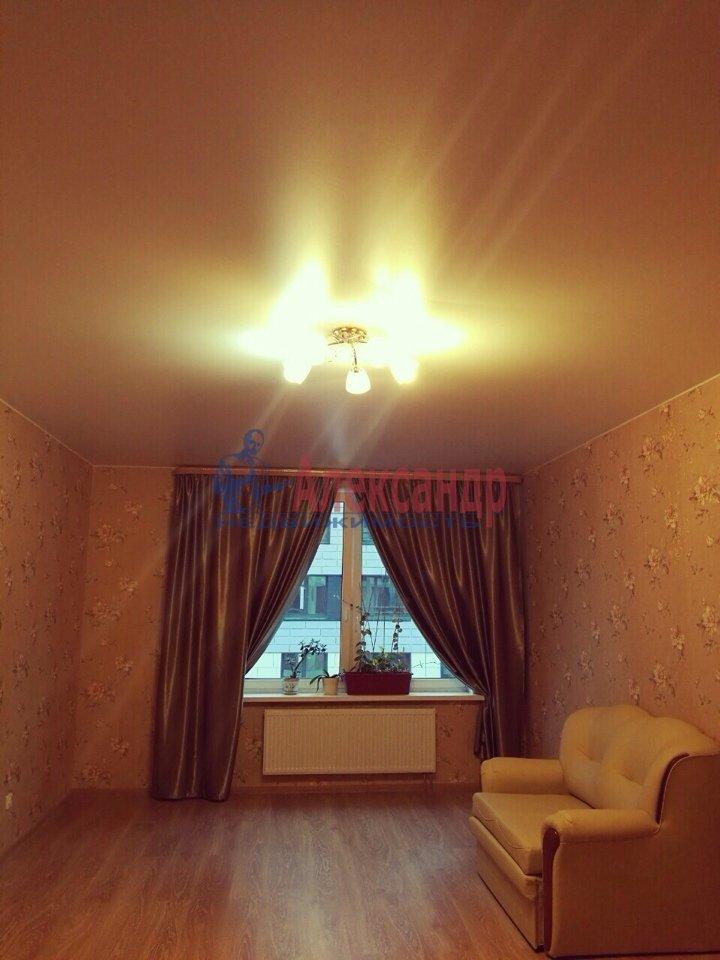 2-комнатная квартира (66м2) в аренду по адресу Кременчугская ул., 17— фото 2 из 4