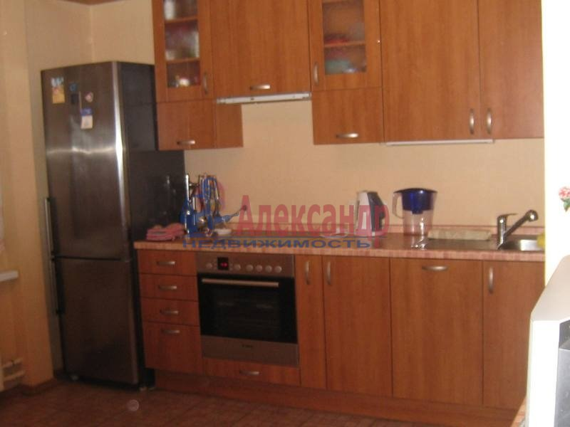 2-комнатная квартира (69м2) в аренду по адресу Учебный пер., 8— фото 1 из 10