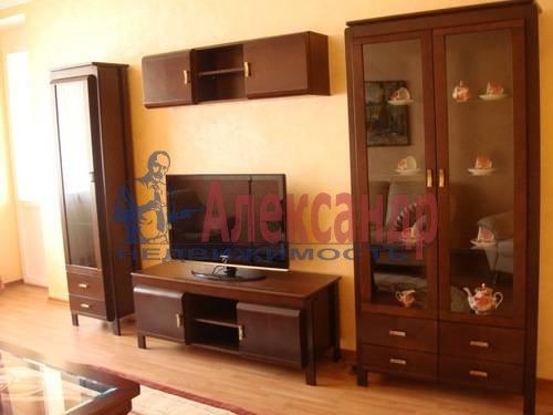 2-комнатная квартира (65м2) в аренду по адресу Ленсовета ул., 88— фото 10 из 13