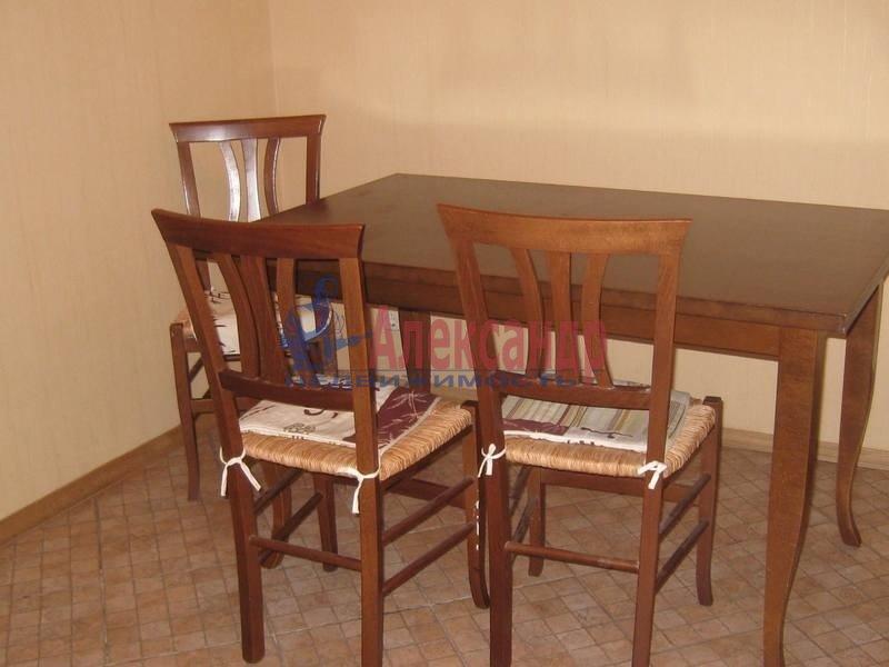 2-комнатная квартира (69м2) в аренду по адресу Учебный пер., 8— фото 6 из 10