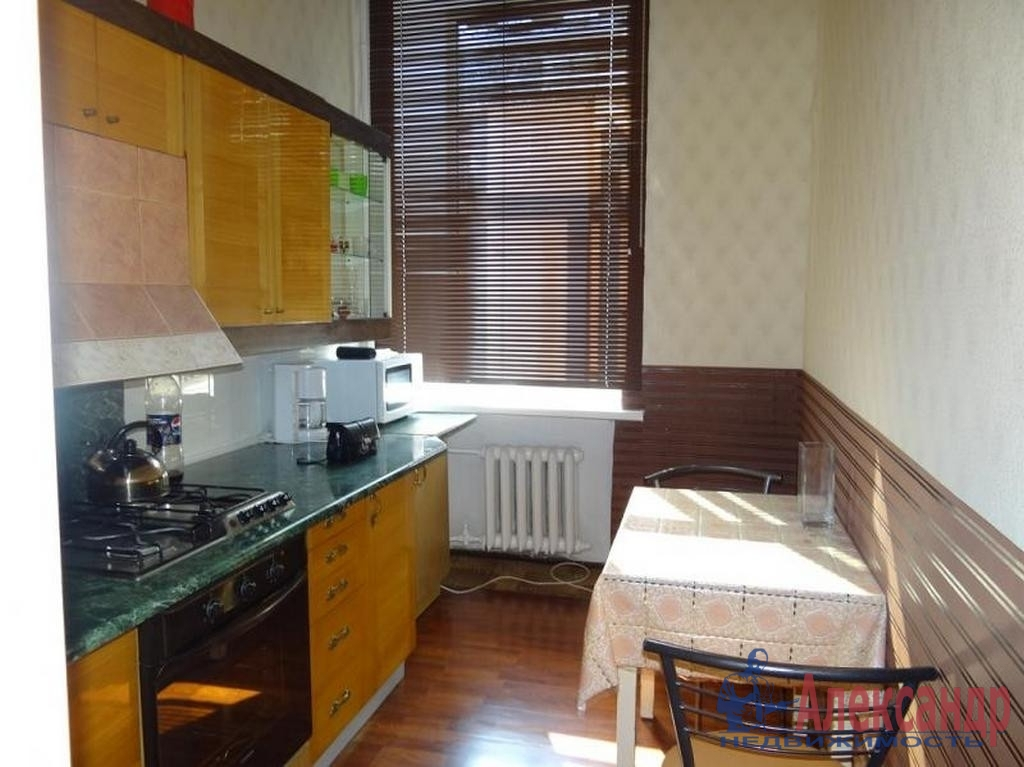 2-комнатная квартира (55м2) в аренду по адресу Съезжинская ул., 19— фото 2 из 3