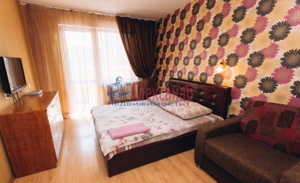 1-комнатная квартира (47м2) в аренду по адресу Бутлерова ул., 11— фото 1 из 3