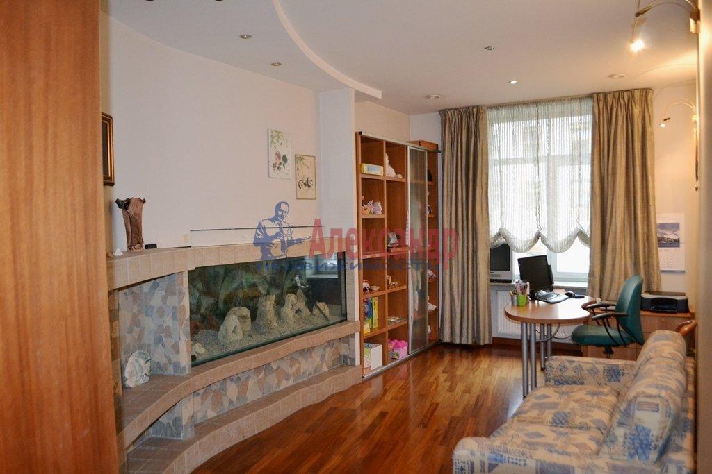 3-комнатная квартира (93м2) в аренду по адресу Суворовский пр., 62— фото 9 из 14
