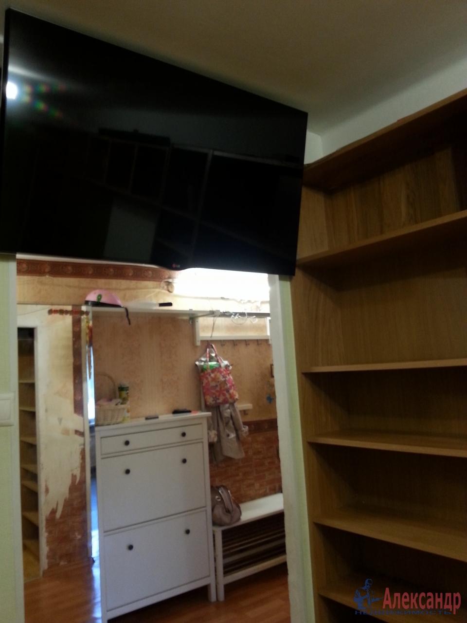 2-комнатная квартира (45м2) в аренду по адресу Есенина ул., 22— фото 1 из 1