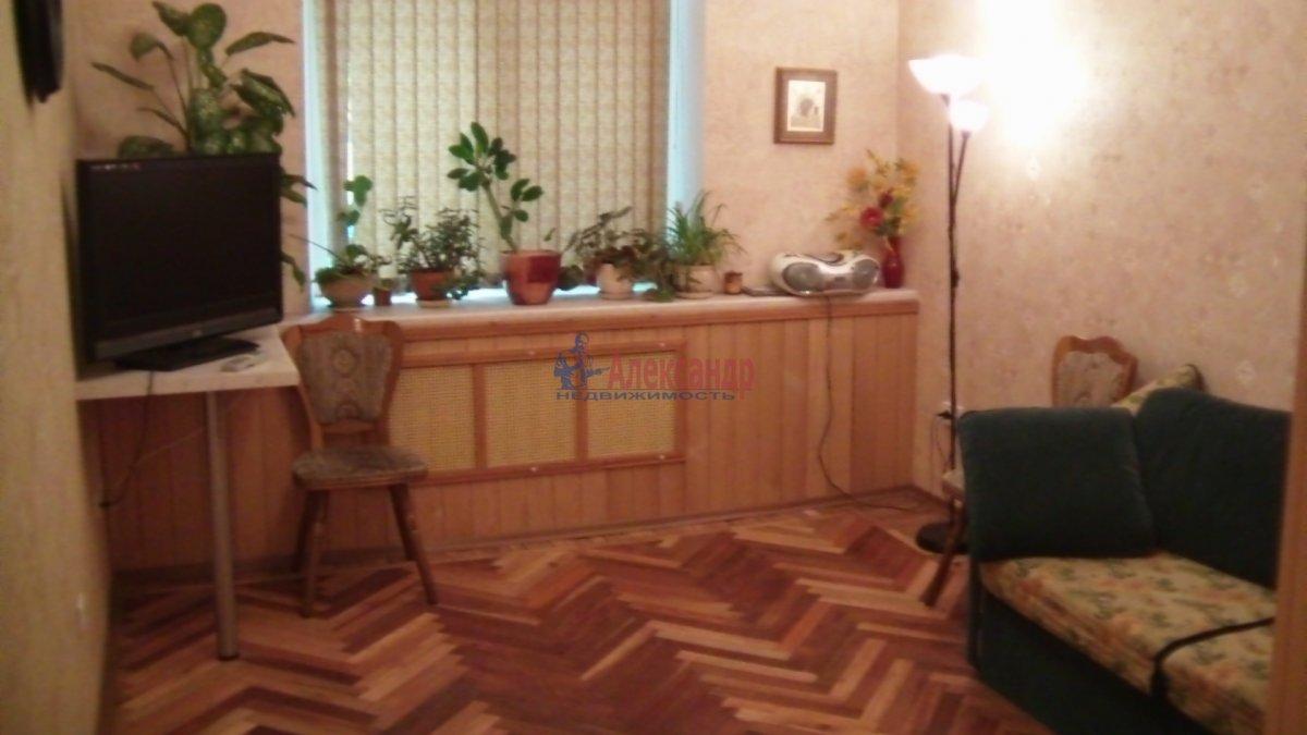 1-комнатная квартира (33м2) в аренду по адресу Бутлерова ул., 18— фото 1 из 2