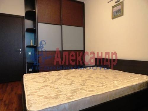 2-комнатная квартира (75м2) в аренду по адресу Есенина ул., 1— фото 7 из 7