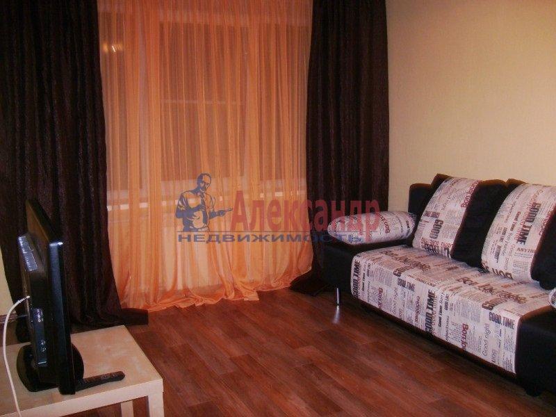 1-комнатная квартира (38м2) в аренду по адресу Северный пр., 10— фото 1 из 3
