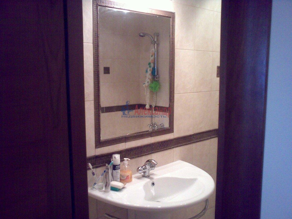 1-комнатная квартира (35м2) в аренду по адресу Десантников ул., 12— фото 2 из 8