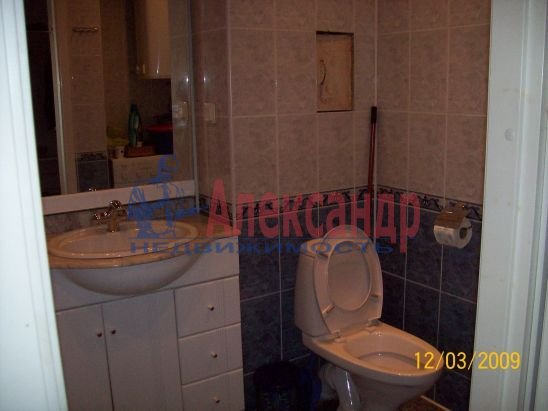2-комнатная квартира (50м2) в аренду по адресу Петровская наб., 4— фото 11 из 13