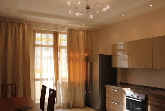 3-комнатная квартира (85м2) в аренду по адресу Бухарестская ул., 110— фото 2 из 4