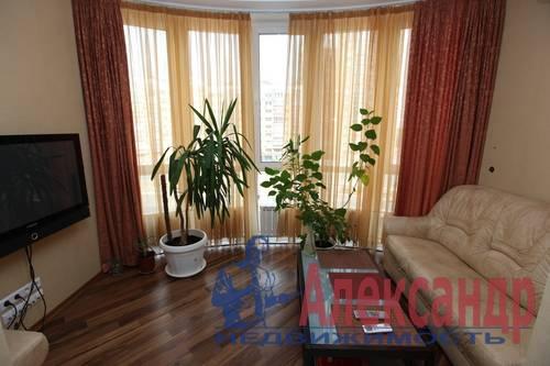 3-комнатная квартира (92м2) в аренду по адресу Бутлерова ул., 40— фото 7 из 8