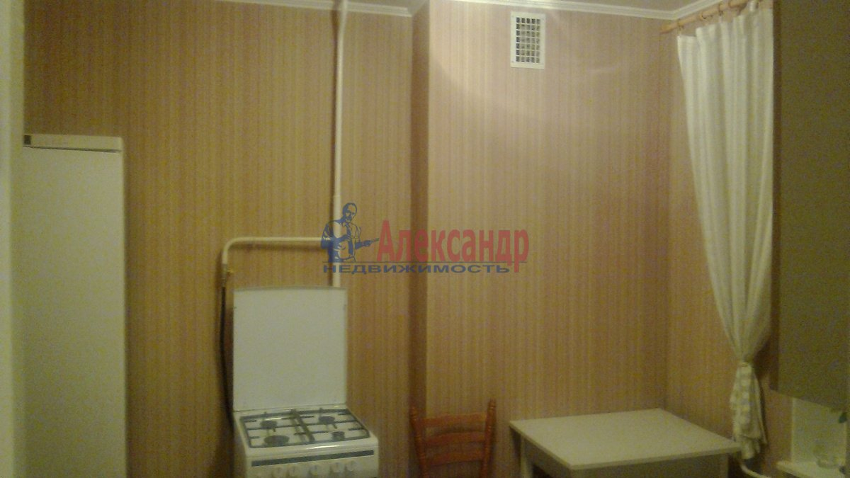 1-комнатная квартира (45м2) в аренду по адресу 5 Советская ул., 96— фото 2 из 8