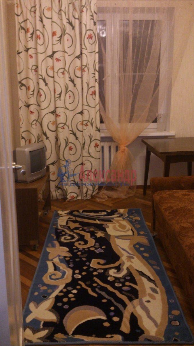 2-комнатная квартира (49м2) в аренду по адресу Кораблестроителей ул., 29— фото 2 из 3
