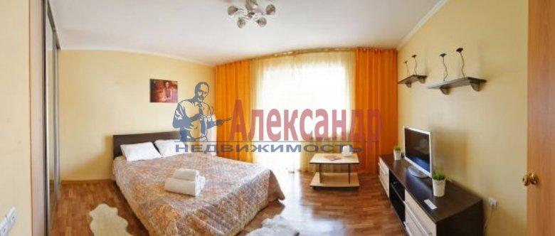3-комнатная квартира (99м2) в аренду по адресу Пулковская ул., 10— фото 1 из 5
