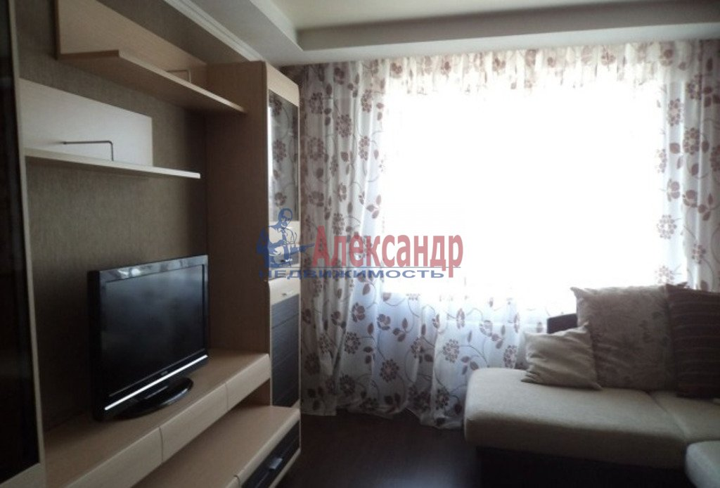1-комнатная квартира (38м2) в аренду по адресу Маршала Блюхера пр., 9— фото 1 из 3