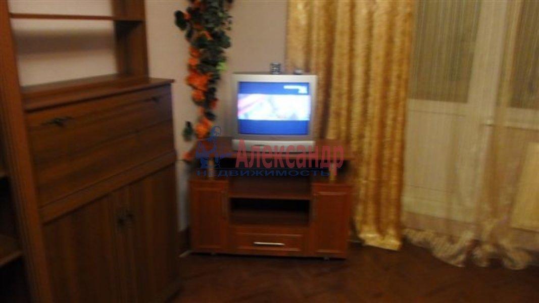 1-комнатная квартира (35м2) в аренду по адресу Олеко Дундича ул.— фото 3 из 6