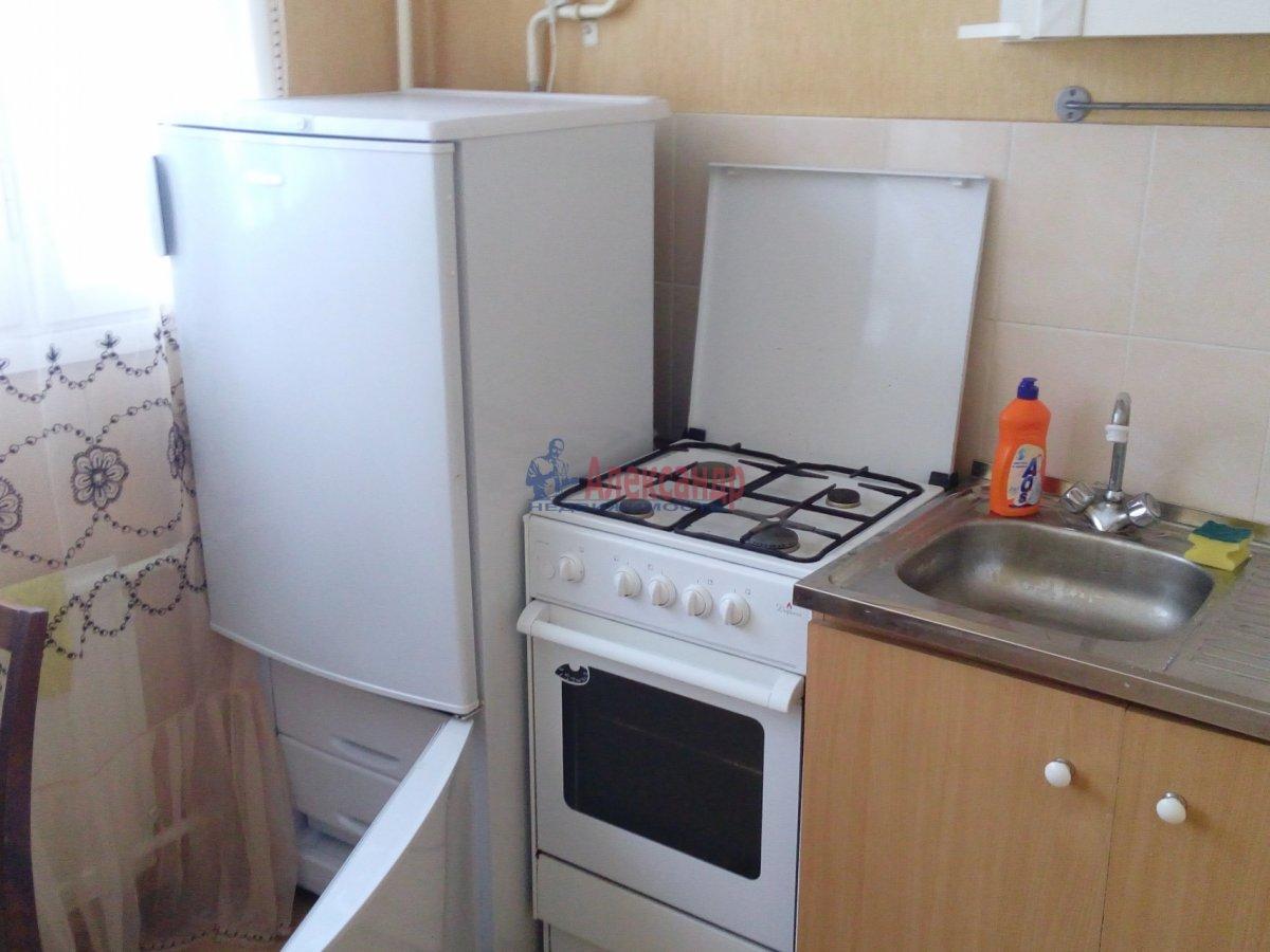 Комната в 3-комнатной квартире (35м2) в аренду по адресу Мгинская ул., 9— фото 2 из 6