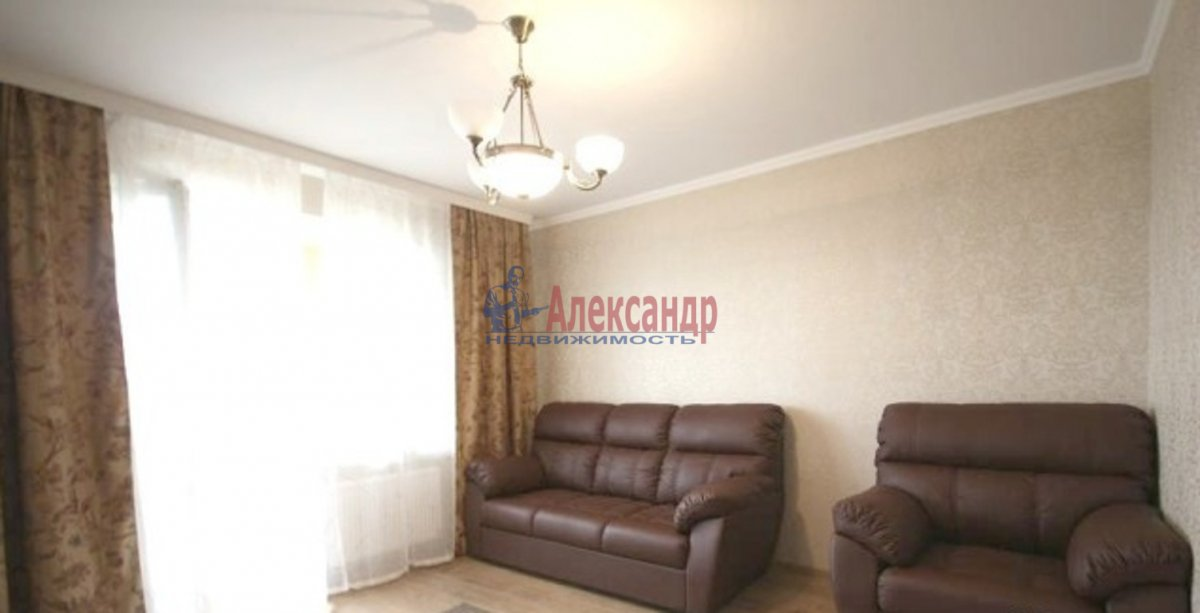 2-комнатная квартира (60м2) в аренду по адресу Ушинского ул., 2— фото 1 из 3