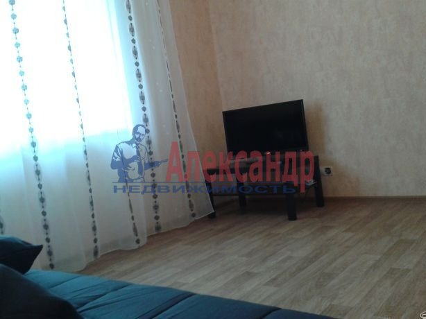 Комната в 2-комнатной квартире (60м2) в аренду по адресу Московский просп., 125— фото 2 из 4
