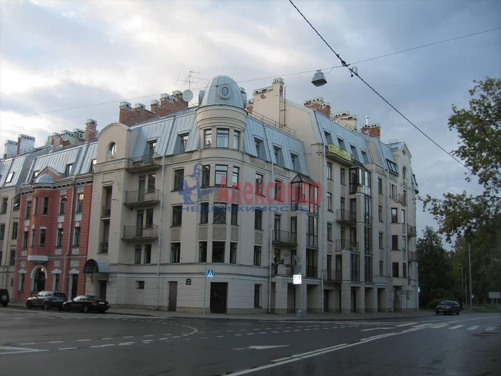 3-комнатная квартира (140м2) в аренду по адресу Константиновский пр., 1— фото 4 из 13