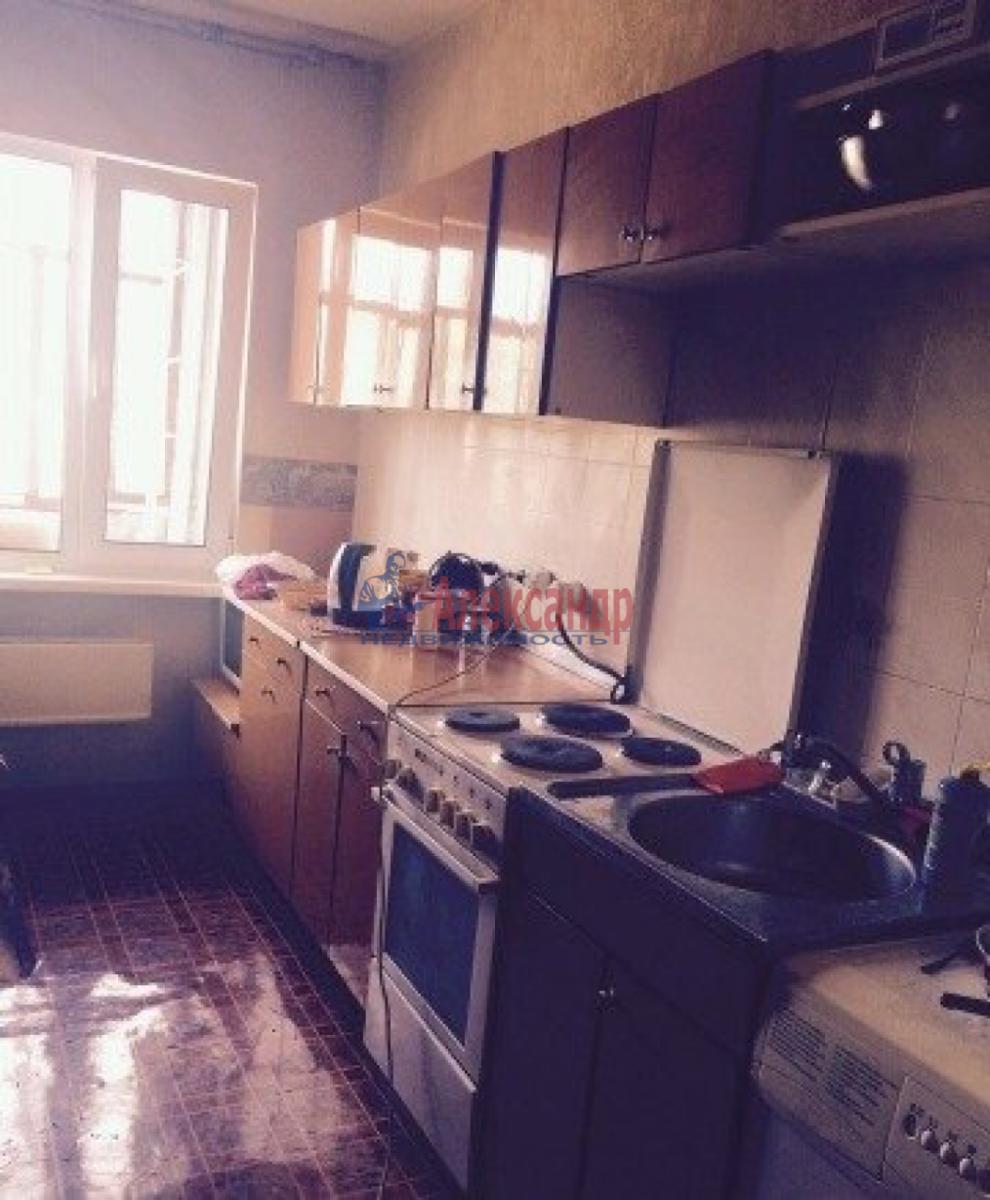 Комната в 3-комнатной квартире (66м2) в аренду по адресу Кораблестроителей ул., 37— фото 2 из 4