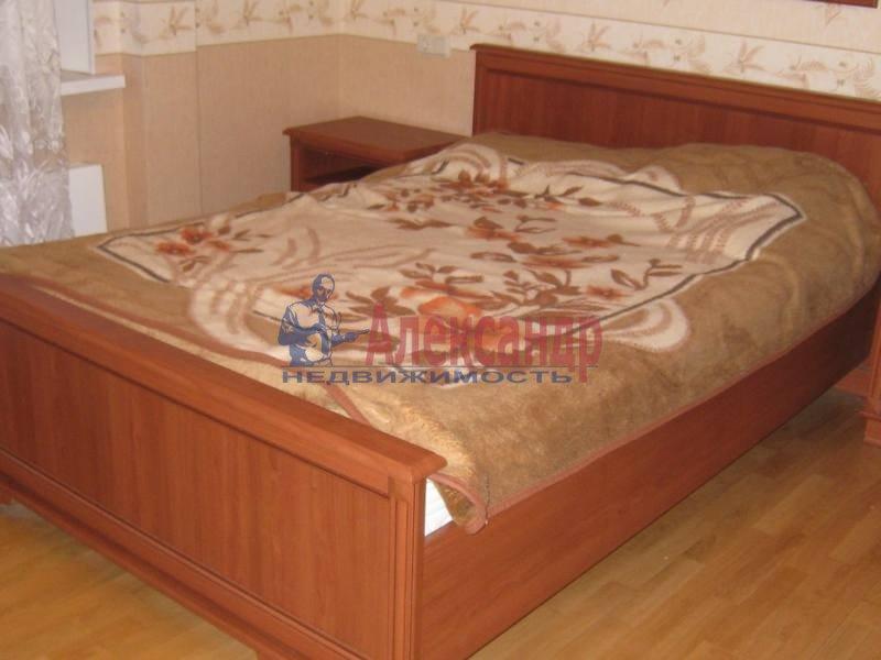 2-комнатная квартира (69м2) в аренду по адресу Учебный пер., 8— фото 3 из 10