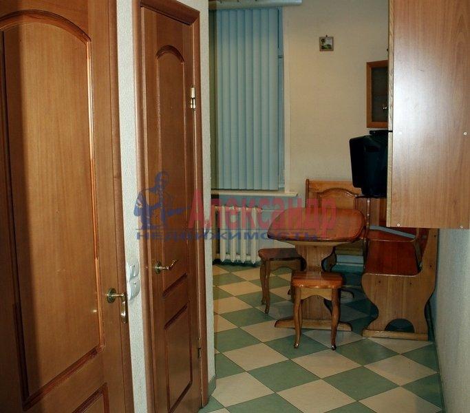 2-комнатная квартира (49м2) в аренду по адресу Школьная ул., 64— фото 2 из 7
