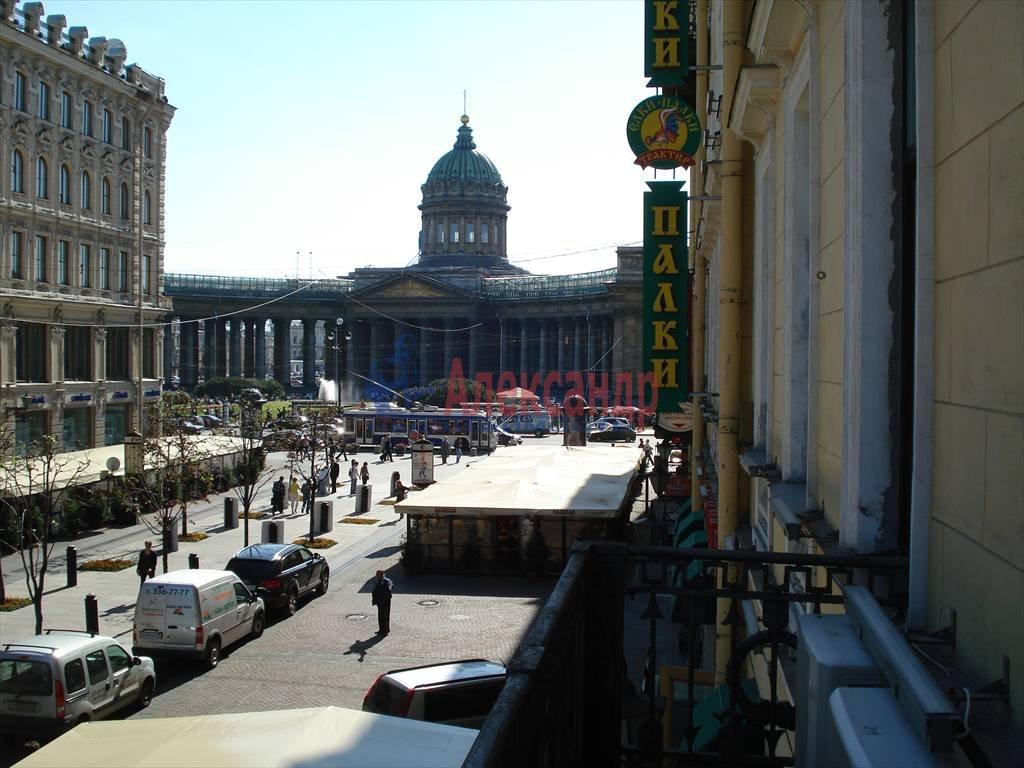 3-комнатная квартира (115м2) в аренду по адресу Малая Конюшенная ул., 9— фото 1 из 10