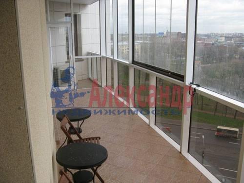1-комнатная квартира (120м2) в аренду по адресу Новочеркасский пр., 33— фото 1 из 7