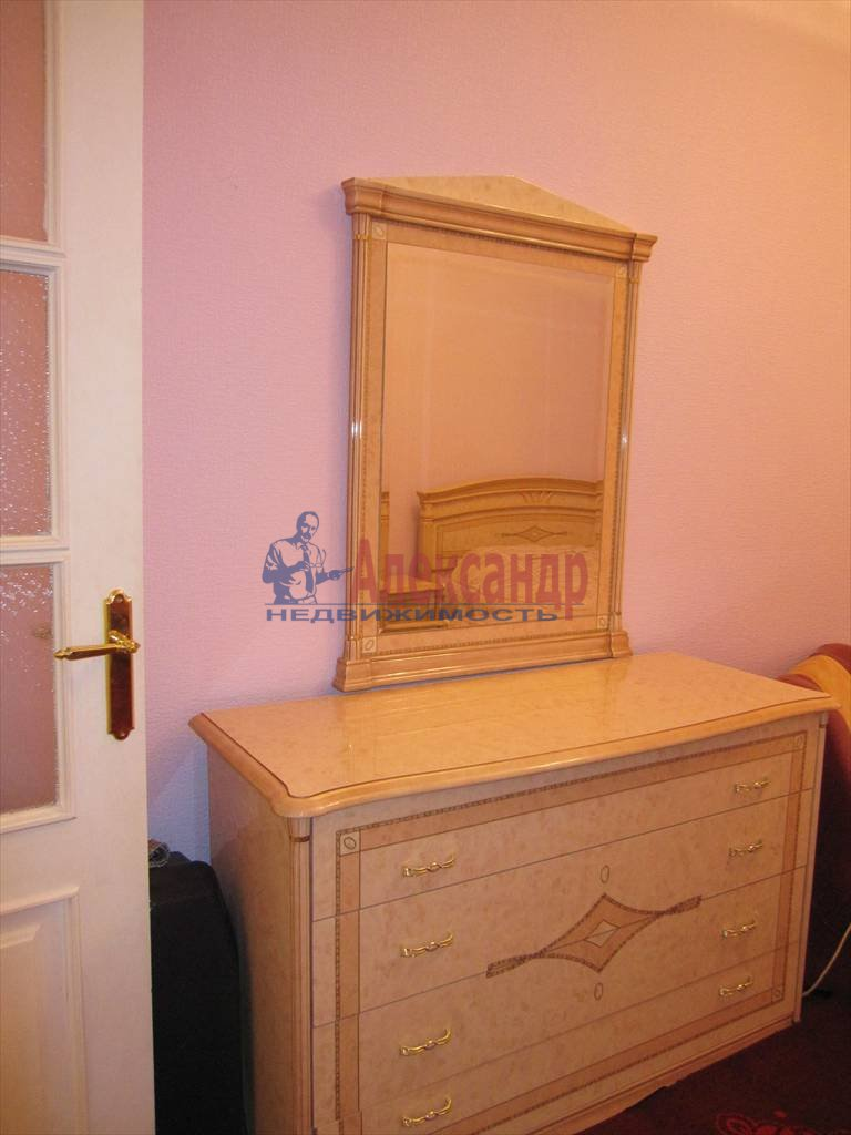 3-комнатная квартира (125м2) в аренду по адресу Мытнинская наб., 1— фото 8 из 16