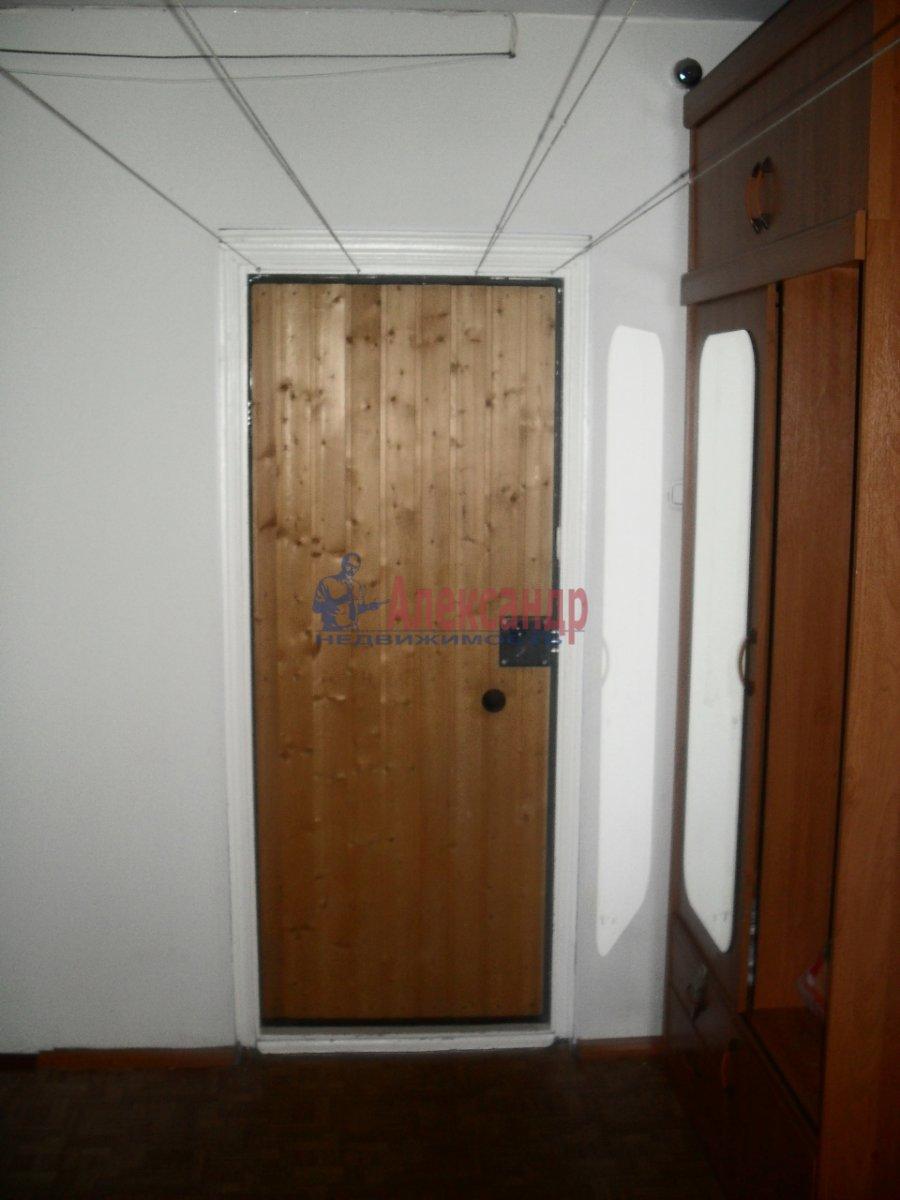 1-комнатная квартира (30м2) в аренду по адресу Большевиков пр., 57— фото 3 из 3